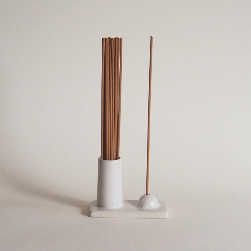 Hold and Release Incense Vessel