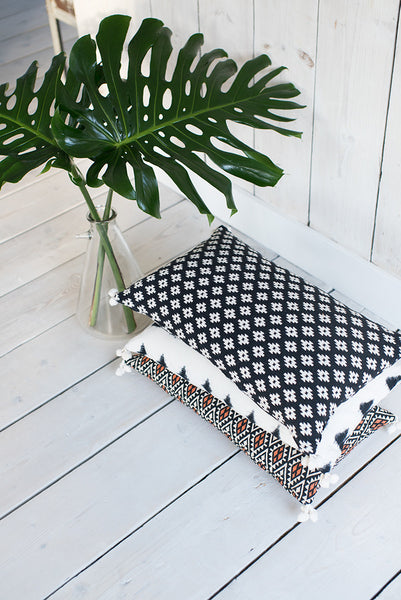 Frida Geo Cushion