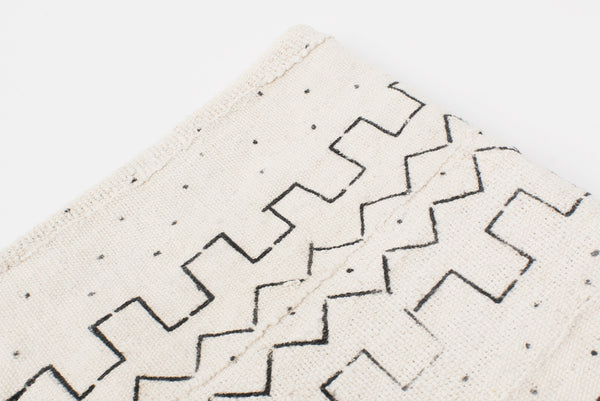 Mud Cloth White Blanket