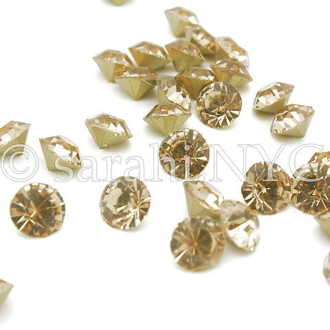 10 X 8mm ANTIQUE GOLD CHATON CRYSTALS   - sarahi.NYC - Sarahi.NYC