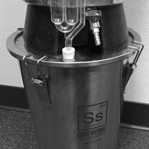 SS Brewtech Conicals & Stainless Fermenters 3.5 gal Brew Bucket Mini Fermenter