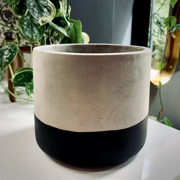 Cement Planter: Large Black Dip - mylesfromhome.co.uk