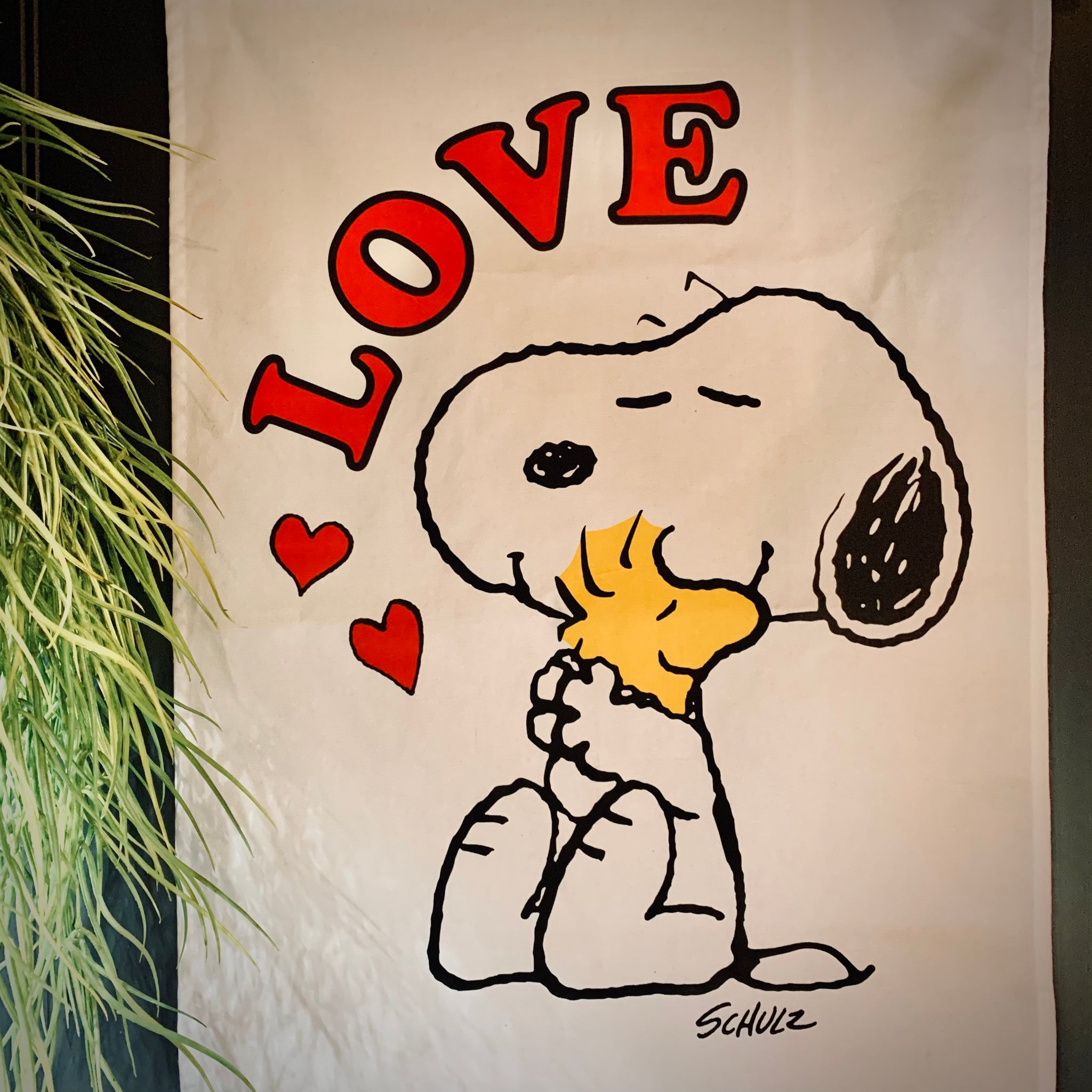 Peanuts (Snoopy) Tea Towel: 'Love' - mylesfromhome.co.uk