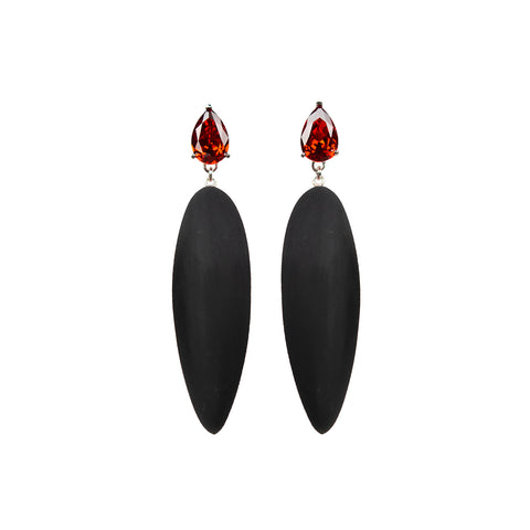 Nymphe earrings with red stone and black rubber