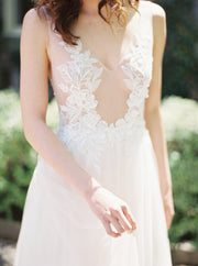 AMY | Floral Wedding Dress with Soft Tulle Skirt | Noon on the Moon