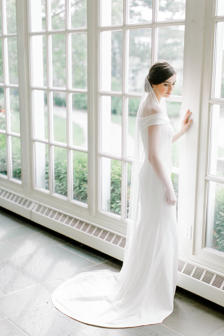 CLARA | Minimalist Wedding Veil - Noon on the Moon