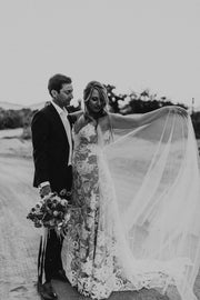 VALENCIA | Wedding Cape - Noon on the Moon