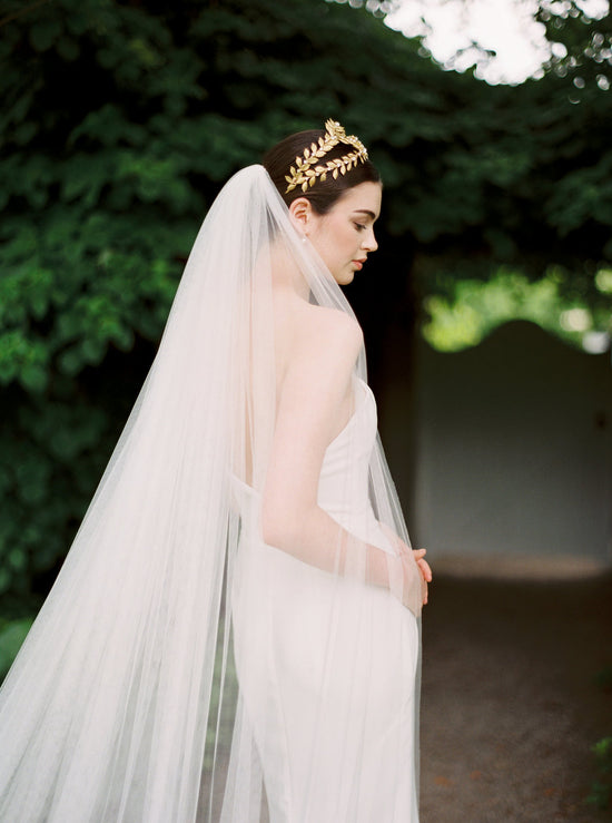 MONTSERRAT | Dramatic Wide Wedding Veil