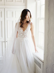 NEVA | Wedding Dress with Low Back and Long Train | Noon on the Moon