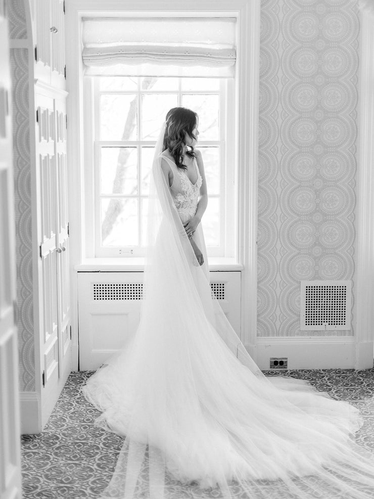 NEVA | Wedding Dress with Low Back and Long Train - Noon on the Moon