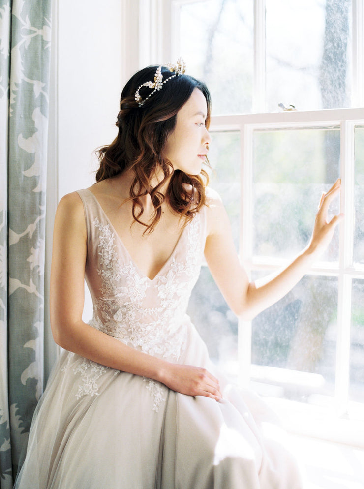 ODETTE | Floral Wedding Tiara - Noon on the Moon