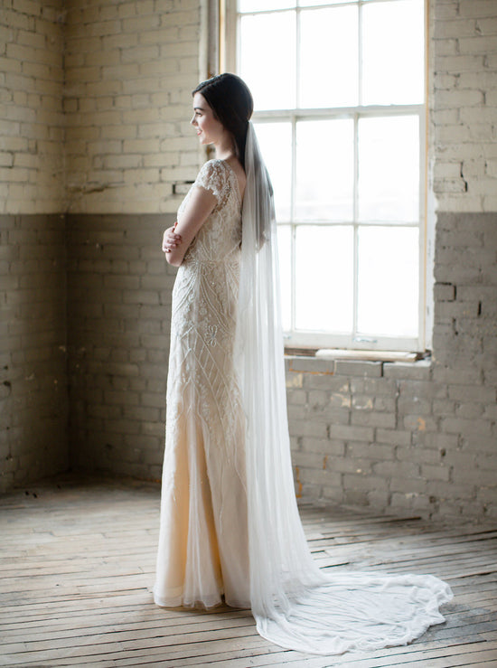 SELENE | Silk Wedding Veil