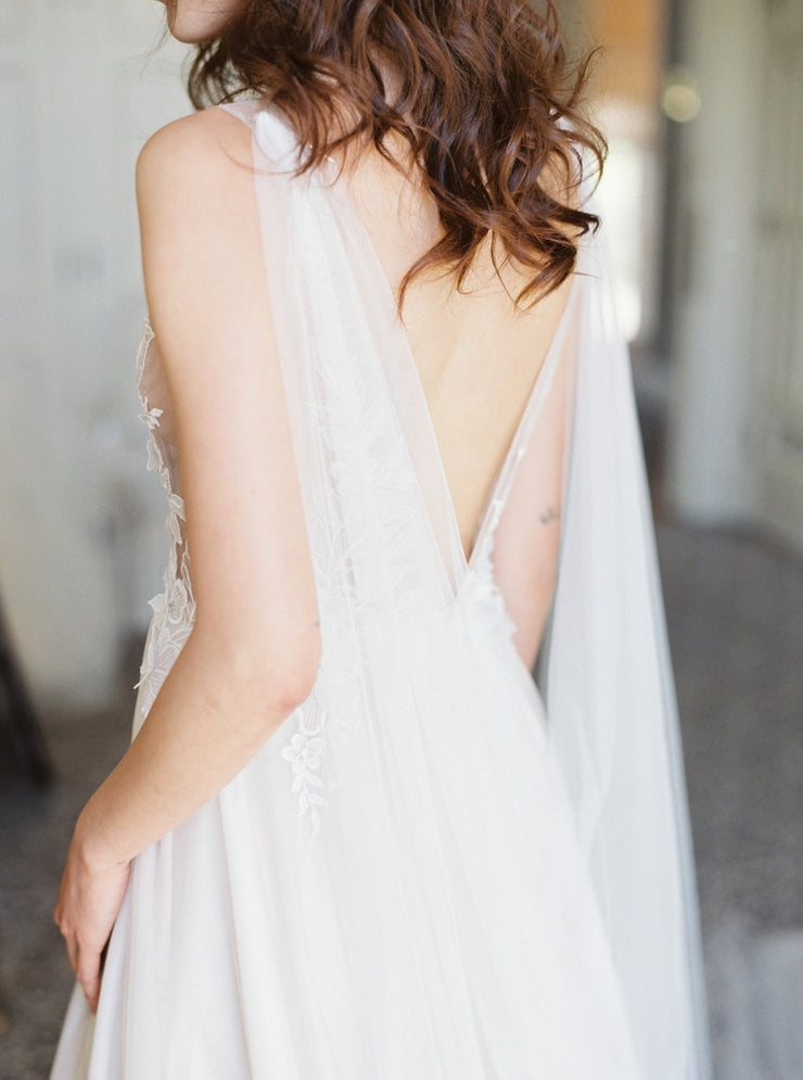 THEA | Wedding Cape - Noon on the Moon