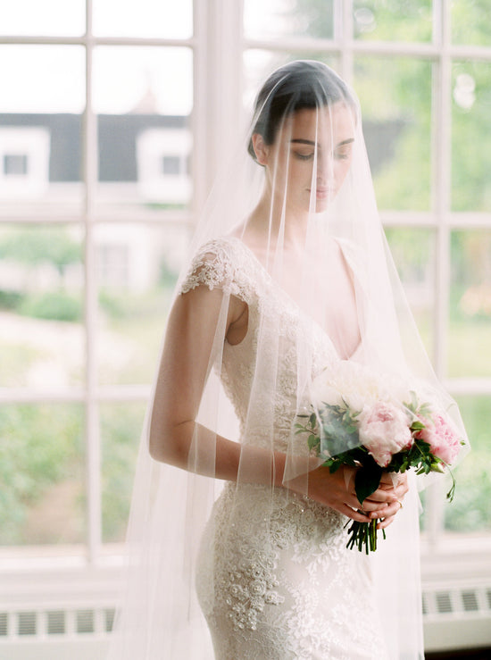 VIVIANNE | Wide Wedding Veil with Blusher