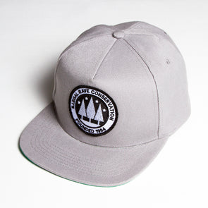 Illegal Rave - Snapback - Light Grey