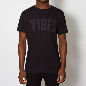 Vibes Blk On Blk - Tshirt - Black - Wasted Heroes