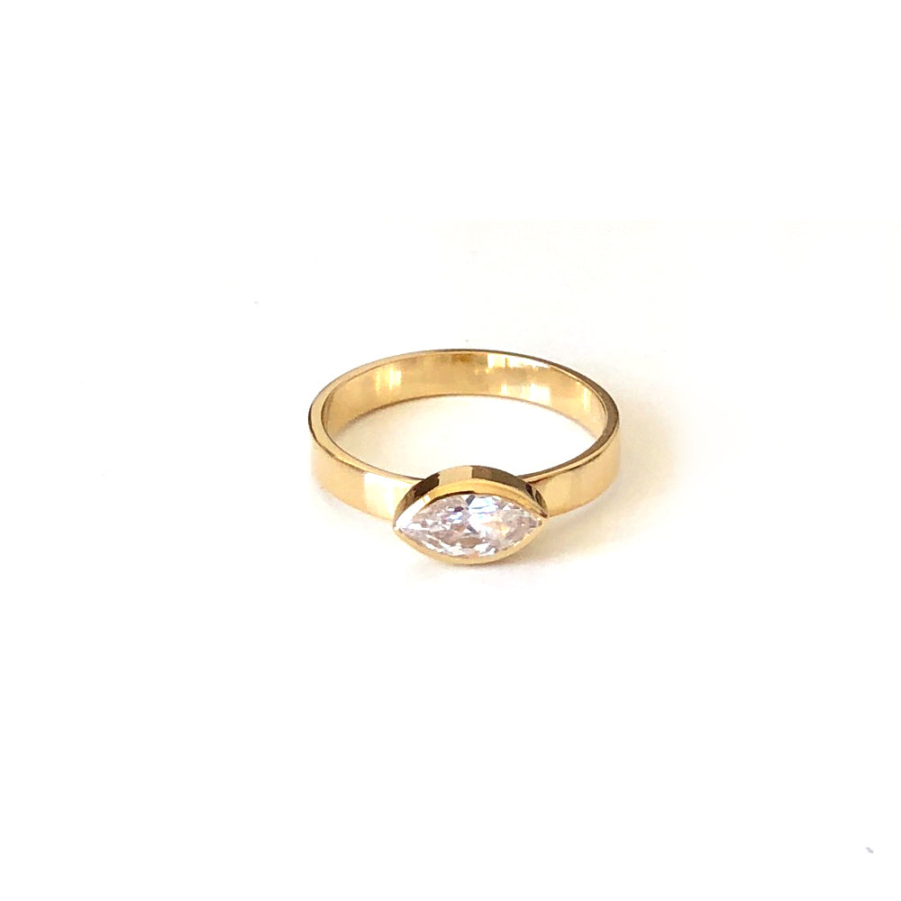 Single Aurelia Ring