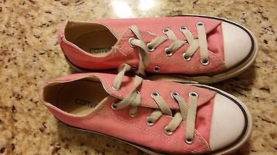 CONVERSE ALL STAR KIDS SIZE 13 LOW TOP CHUCK TAYLORS PINK YOUTH