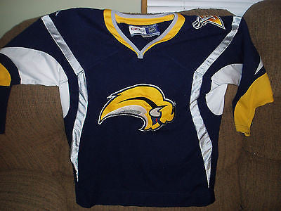 BUFFALO SABRES STITCHED  HOCKEY JERSEY SIZE  L/XL YOUTH