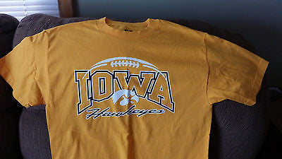 IOWA HAWKEYES FOOTBALL T SHIRT  SIZE MED ADULT