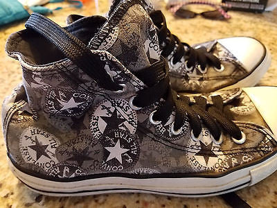 CONVERSE CHUCK TAYLOR ALL STAR HIGH TOP SNEAKER ADULT SIZE WMS 9 MNS 7