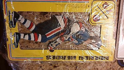 1975 CARTON CRAFT CORP NEW YORK ISLANDERS BILLY HARRIS AD STAND CARD