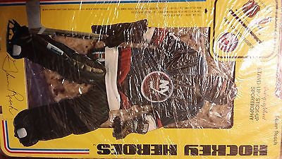 1975 CARTON CRAFT CORP NEW YORK ISLANDER GLENN RESCH AD STAND CARD