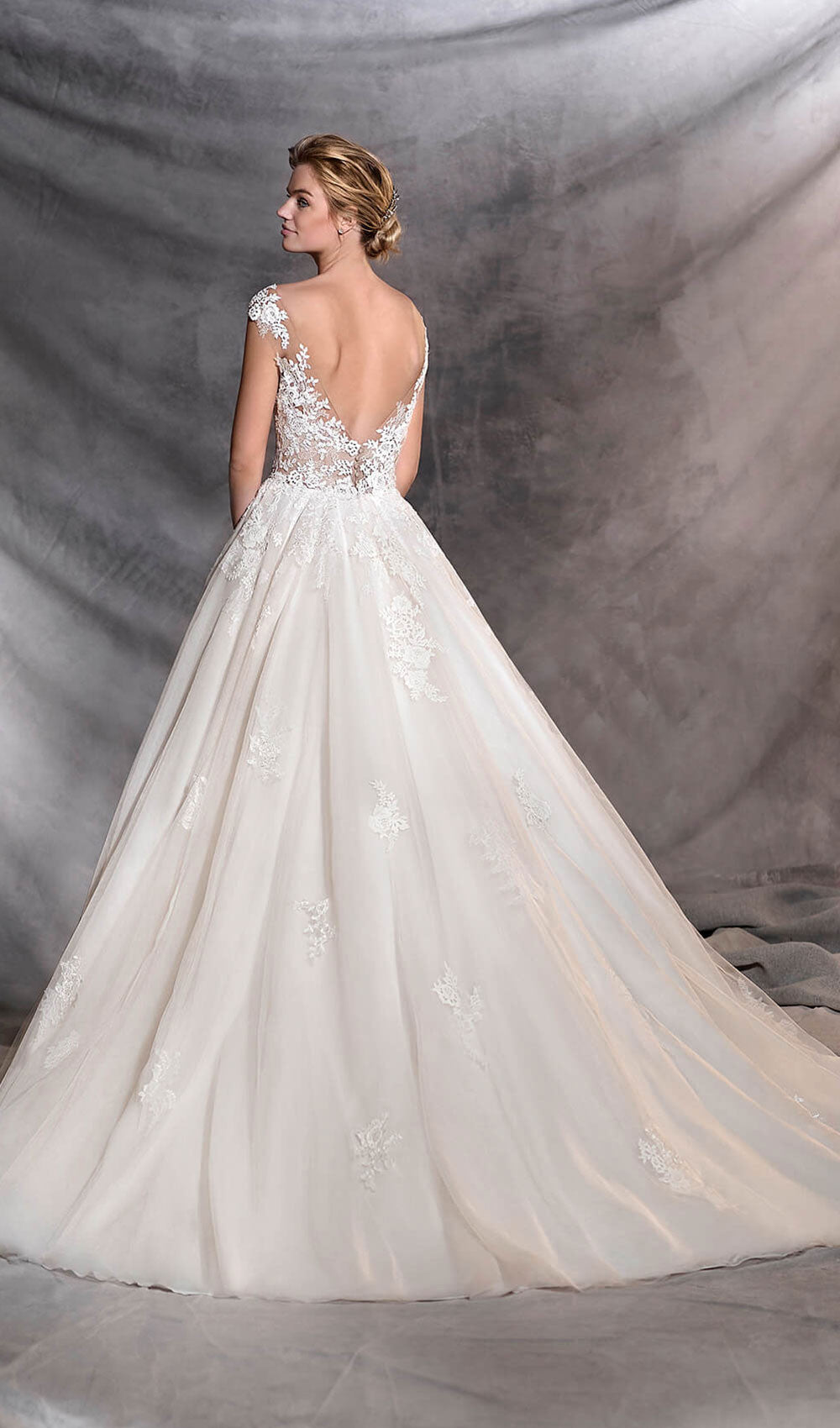 Pronovias - STYLE OFELIA| Schaffer's Bridal in Des Moines, Iowa and in Scottsdale, Arizona
