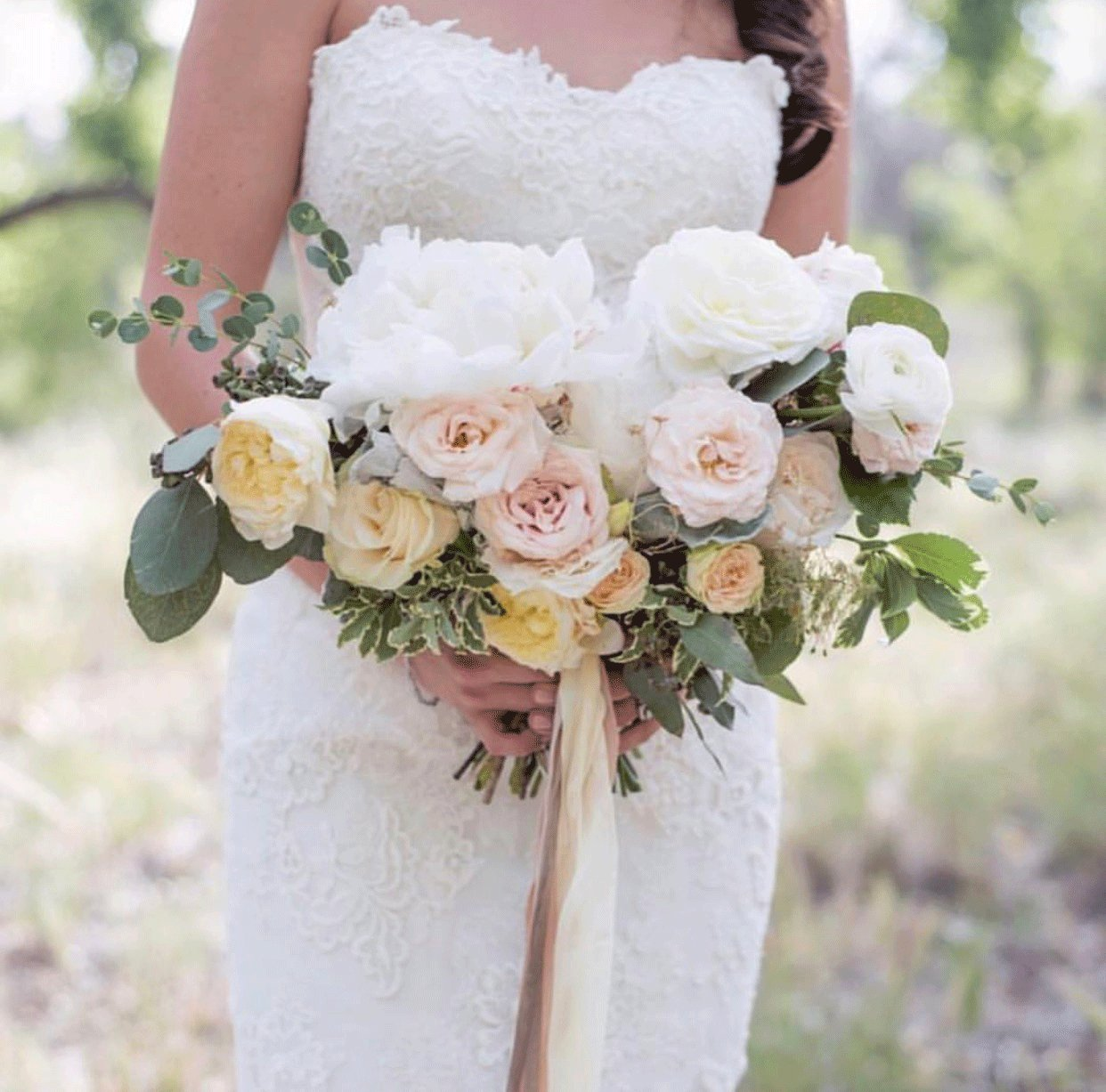 Discounts on Wedding Dresses in Des Moines & Phoenix