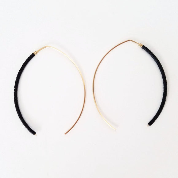 Sarah Briggs Beaded Wishbone Hoop Matte Black 14kgf