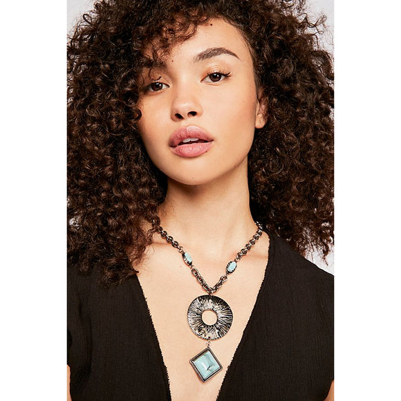 Free People Farrah Pendant Necklace Silver