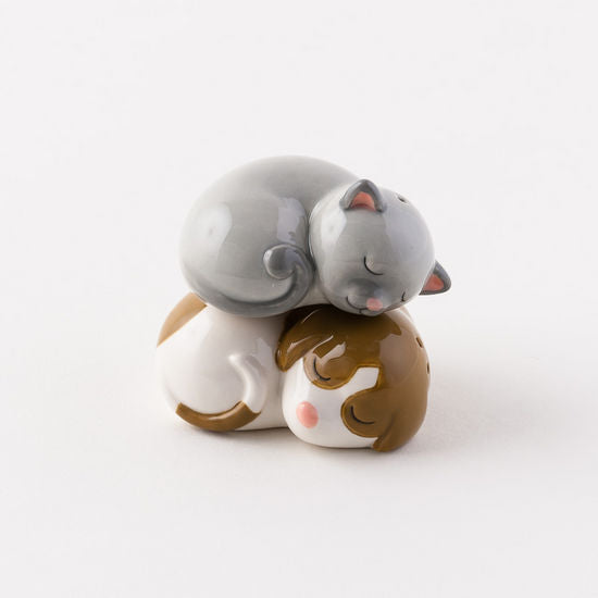 Dog & Cat Ceramic Salt & Pepper Shakers 2.65
