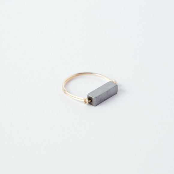 Sarah Briggs Titanium Single Stone Stacking 14kgf Ring