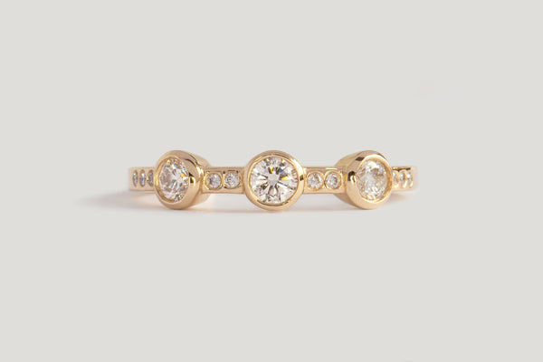 3-STONE WHITE DIAMOND THEIA RING | 14K YELLOW, SZ 7