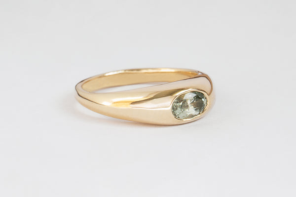 GREEN SAPPHIRE CLASSIC RISA RING