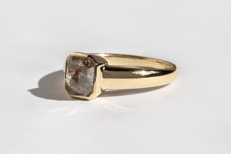 ONE OF A KIND! ROSECUT BROWN/GREY DIAMOND TAKARA RING NO.1 | 14K YELLOW GOLD, SIZE 6