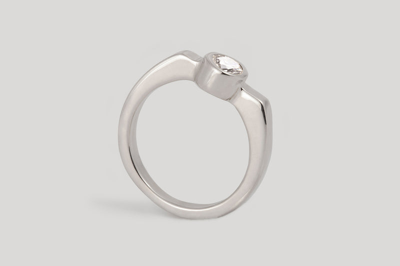 WHITE DIAMOND MISAO RING | 14K YELLOW GOLD, SIZE 7