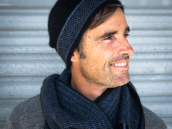 Model wears Morse Hat & Scarf in Black/Blue