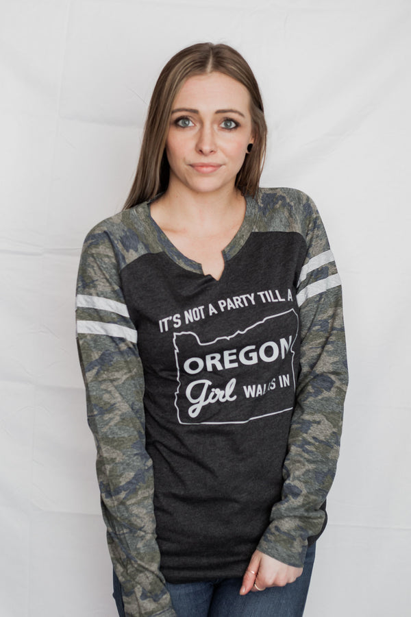 It's Not A Party Oregon Girl - Camo Long Sleeved Tee