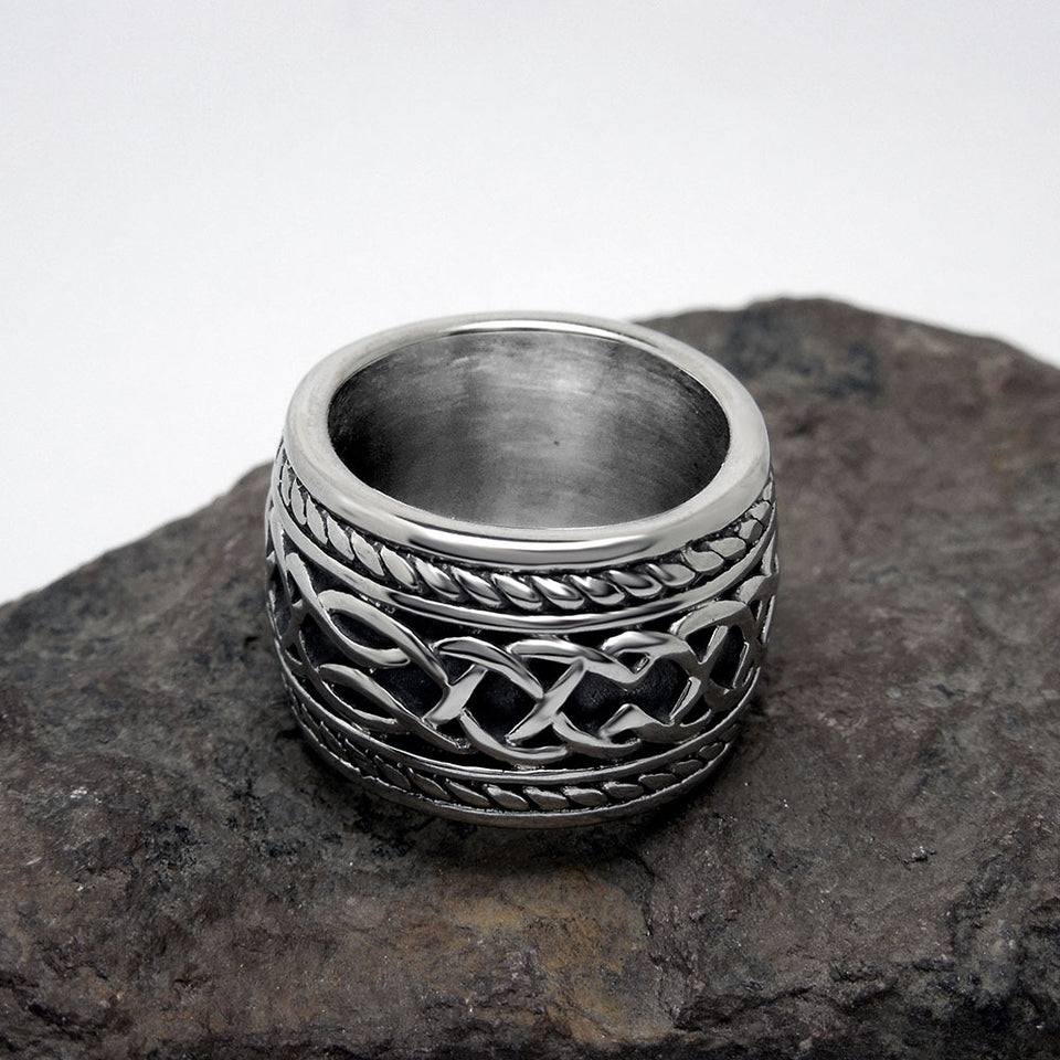 Vintage Titanium Steel Endless Knot Irish Clover Ring