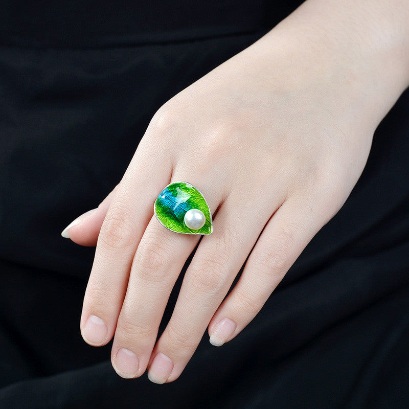 Cloisonne Green Leaf Ring with Freshwater pearl