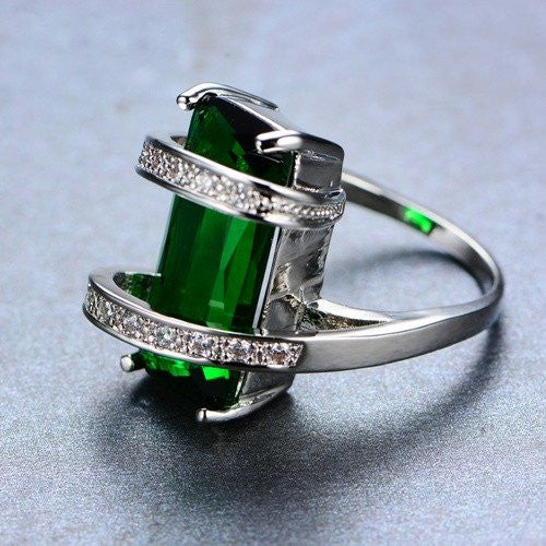 Geometric Emerald May Birthstone Ring