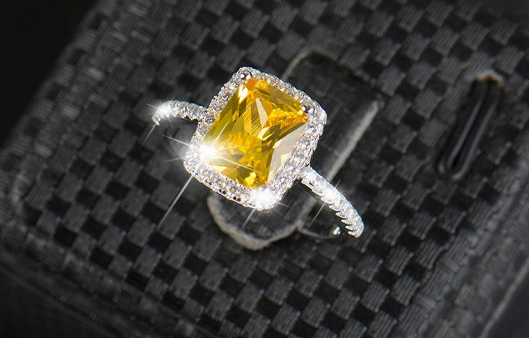 Shimmering 2ct Pure.925 Silver Diamond Ring