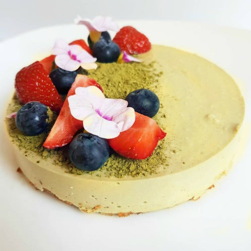 This low fat and healthy matcha mousse pie will make the perfect dessert for tonight