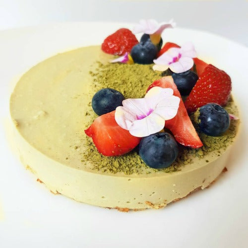 This healthy Matcha Green Tea Pie is the great dessert with silky and smooth matcha mousse custard complimentary with the nutty and crunchy crust.