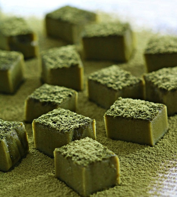 These Matcha Green Tea Truffles Brownies are the perfect gift for this Valentine's Day