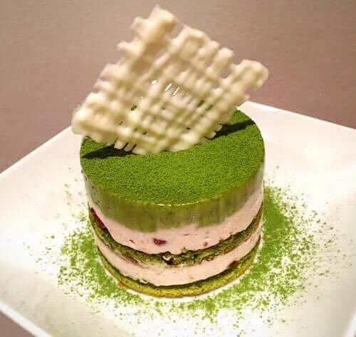 Mini adzuki matcha white chocolate mousse cake is the nice dessert to share during the Holidays