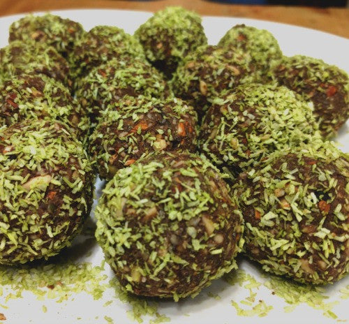 Vegan Raw Cacao Matcha Protein Balls are the perfect snack to bring with you to the workout session