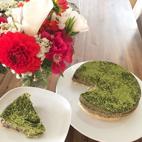 Matcha green tea swirled black sesame cream cheese filling is baked with shortbread cookie crust for your delicious cheesecake