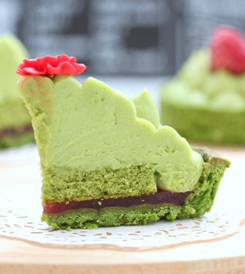 4 layers of heaven - Matcha tart shell filled with strawberry jam + green tea sponge cake, then topped with matcha mascarpone cream